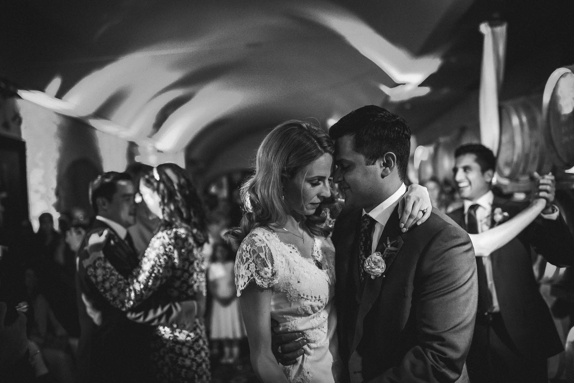 Tuscany wedding photography - Roisin and Moubin - Guy Collier Photography (225 of 251)