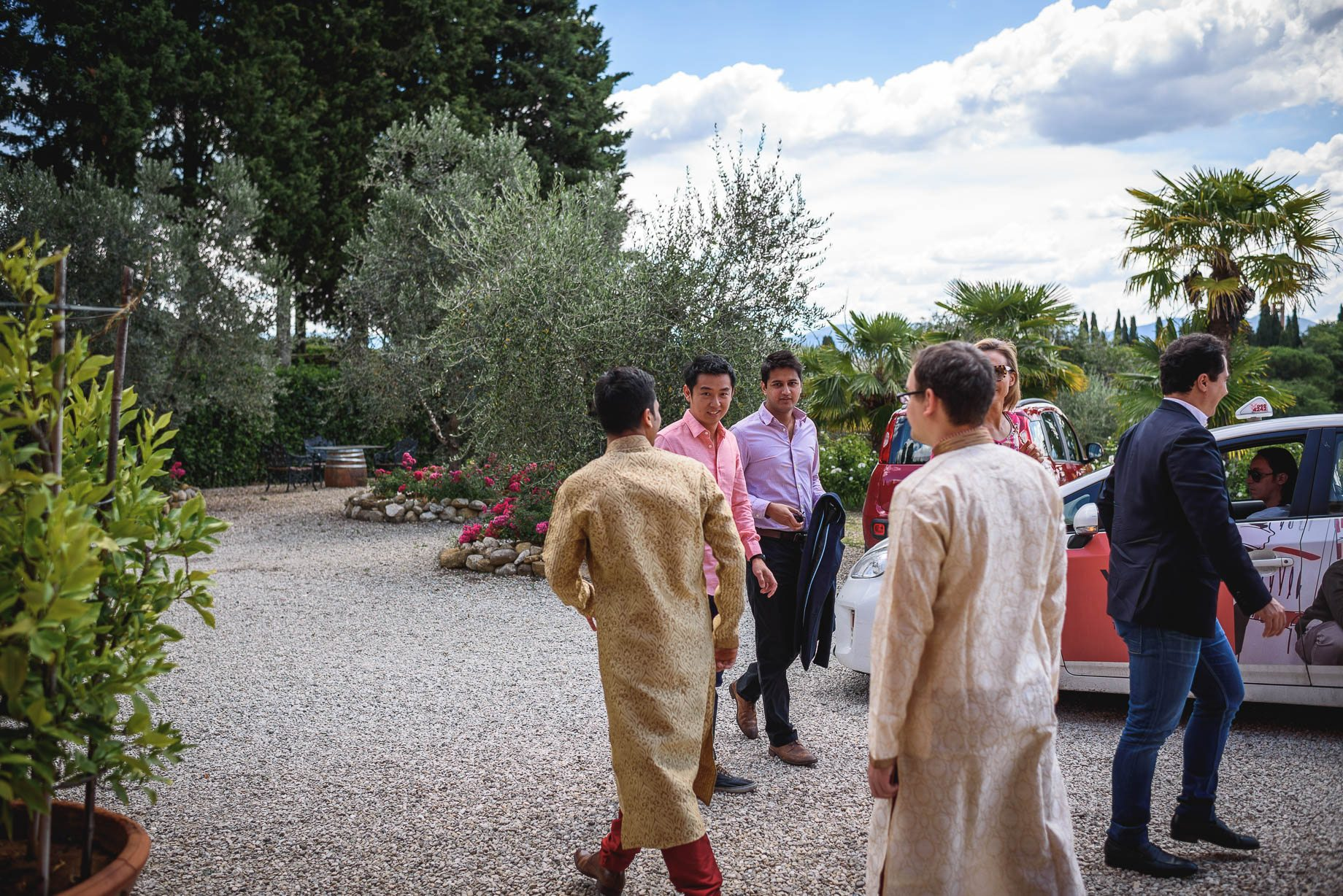 Tuscany wedding photography - Roisin and Moubin - Guy Collier Photography (43 of 194)