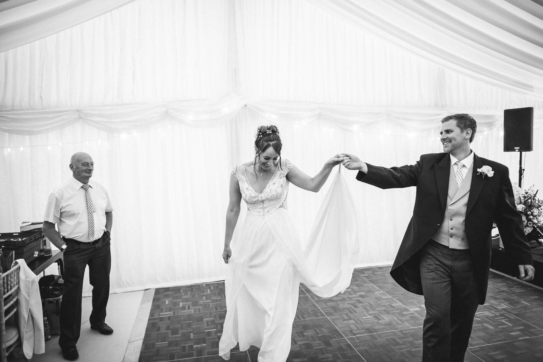 Windsor wedding photography - Guy Collier Photography - Libby and Alex (175 of 189)